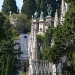 Grabmonumente im Cimitero di Staglieno